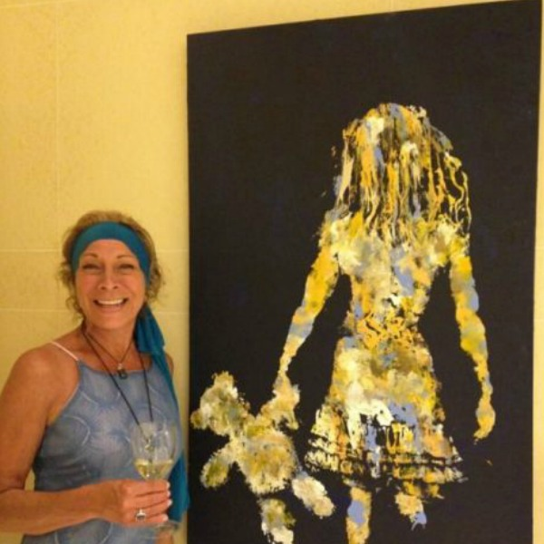 Artist Suzanne Alexandra holding live art demonstrations of 'Soul Imprinting' at Carivintas Winery